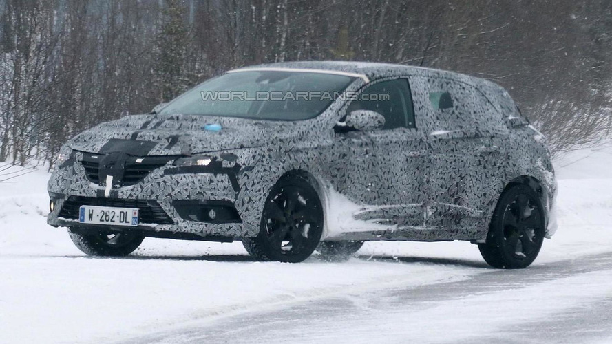 2016 Renault Megane spied with production body for the first time