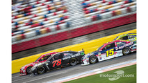 Martin Truex Jr., Furniture Row Racing Chevrolet and Clint Bowyer, Michael Waltrip Racing Toyota