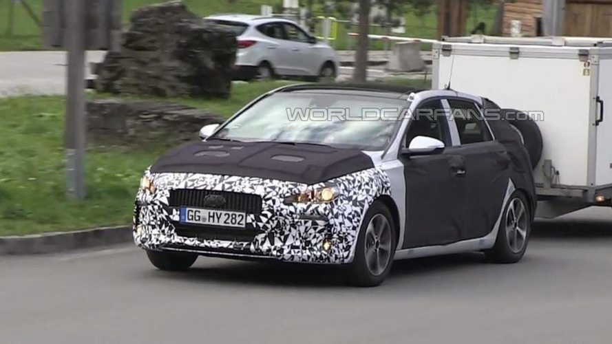 Third generation Hyundai i30 spied in motion testing in the Alps [video]