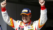 Fernando alonso celebrates, qualifying, Hungarian GP 2009