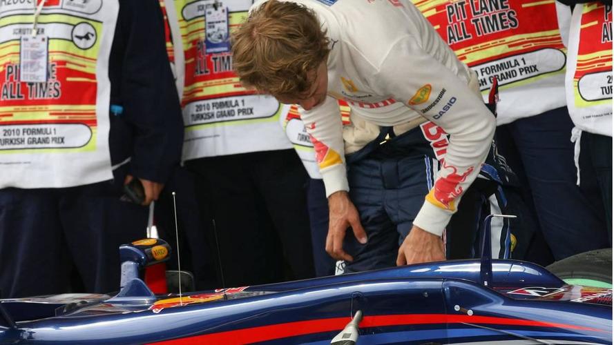 Red Bull confirms broken 'stabilisator' for Vettel