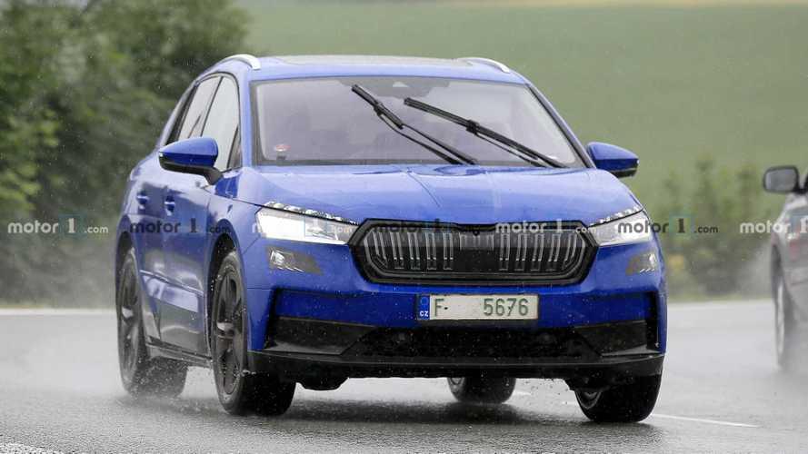 Skoda Enyaq, le nuove foto spia del SUV elettrico