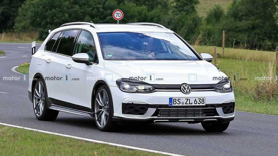 Alltracknek álcázva indította a Volkswagen a Golf R kombijának tesztjeit