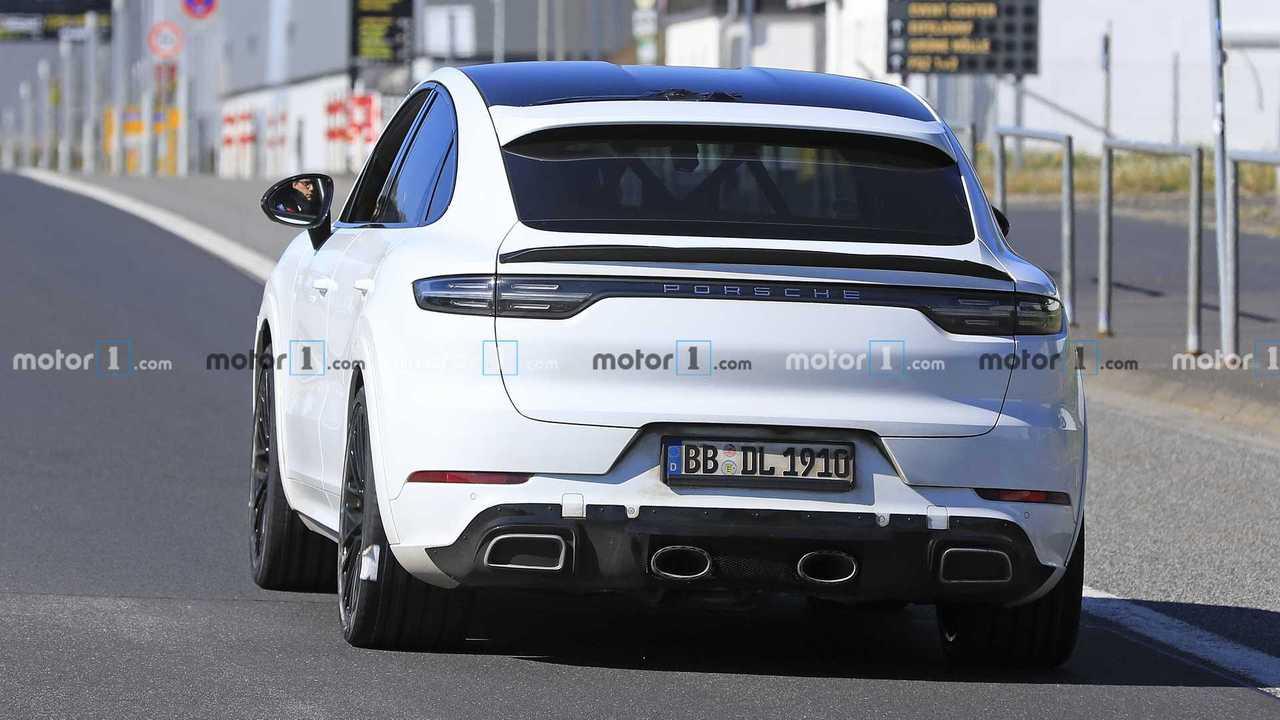 Porsche Cayenne Coupe GTS spy photo