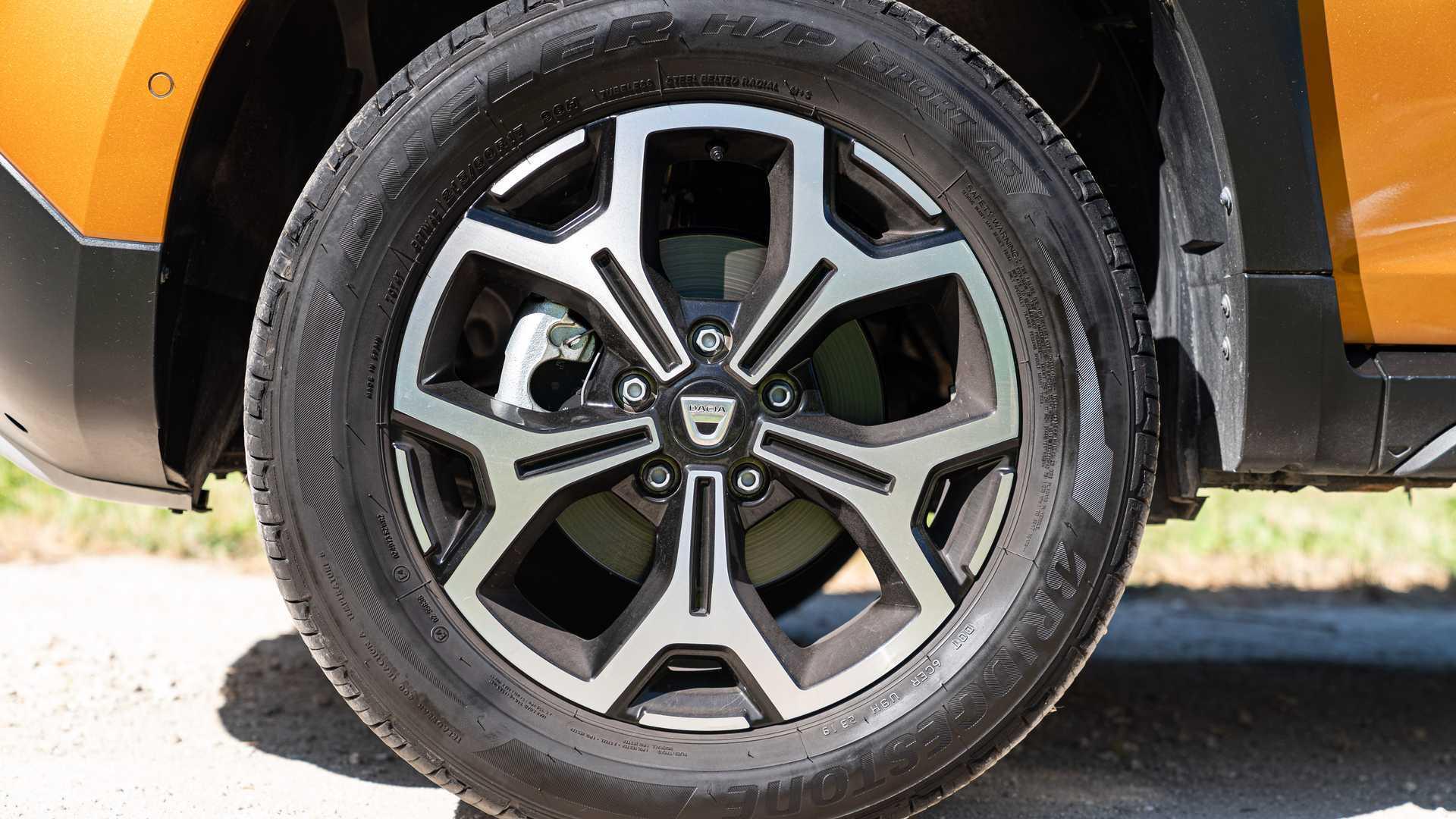 Les pneus de 220 SUV dégonflés dans les rues de Bordeaux
