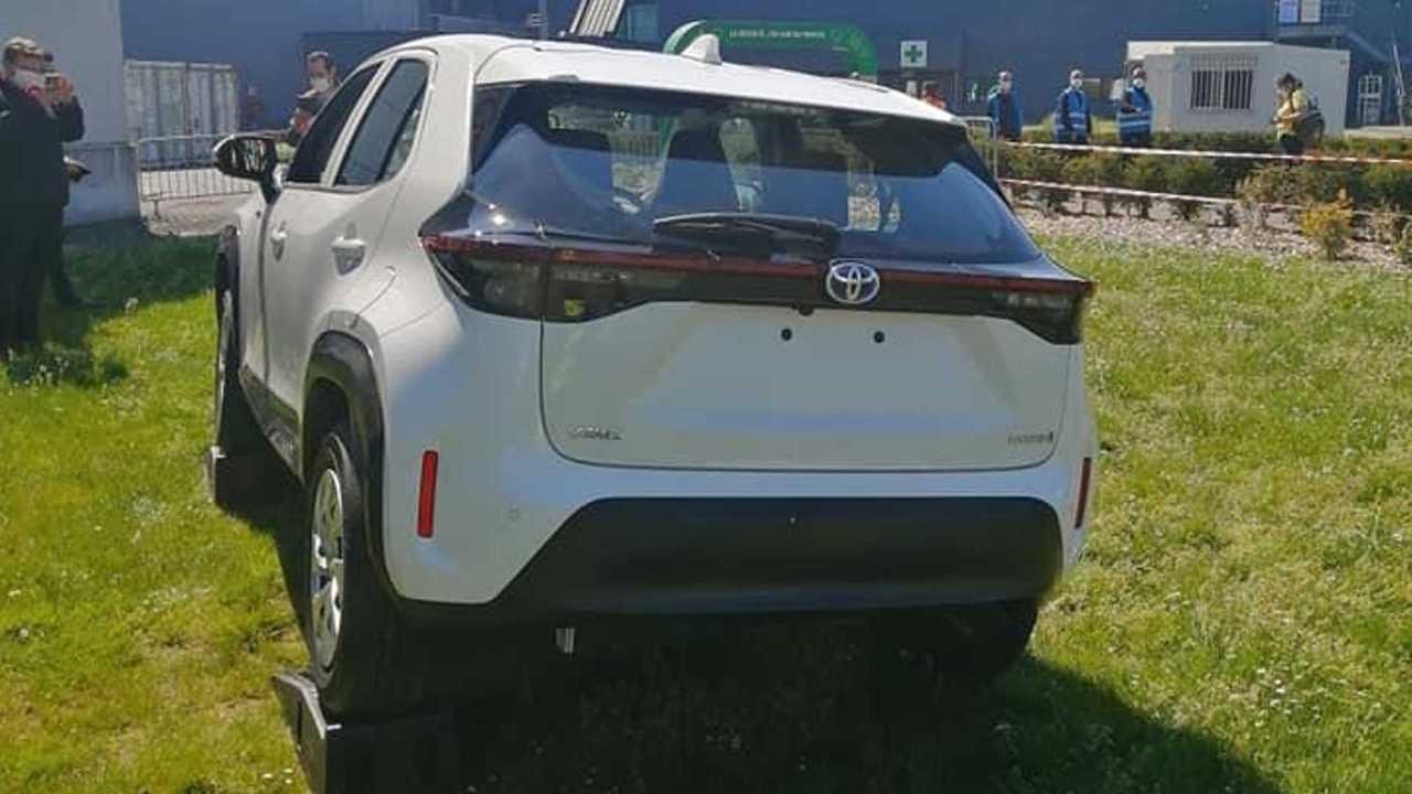 Toyota Yaris Cross Básico (flagra)
