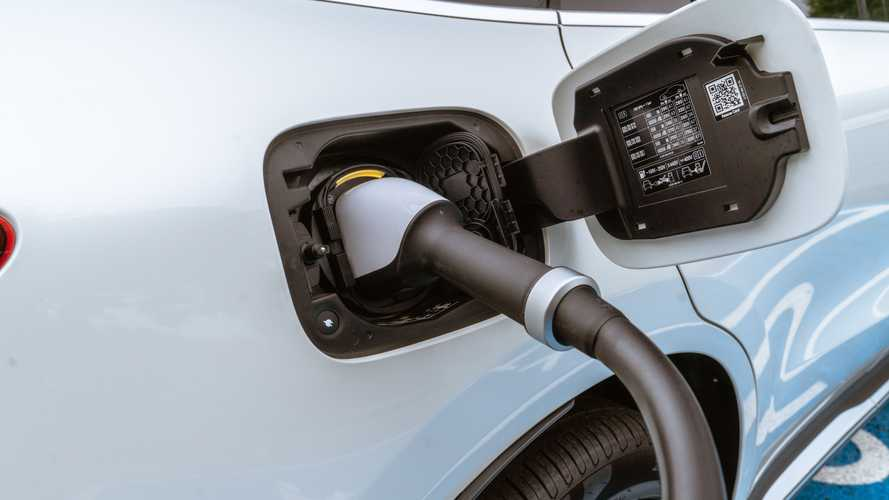 Green light for green plates as electric cars to get new 'flash'