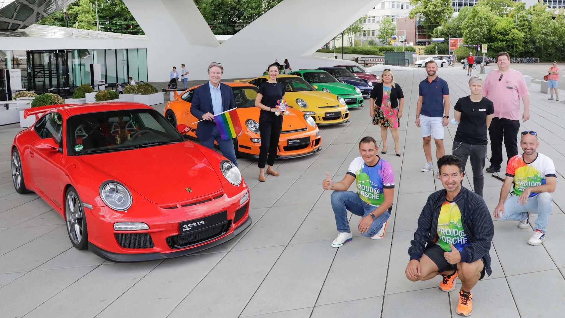 rainbow-colored-911s-in-solidarity-with-