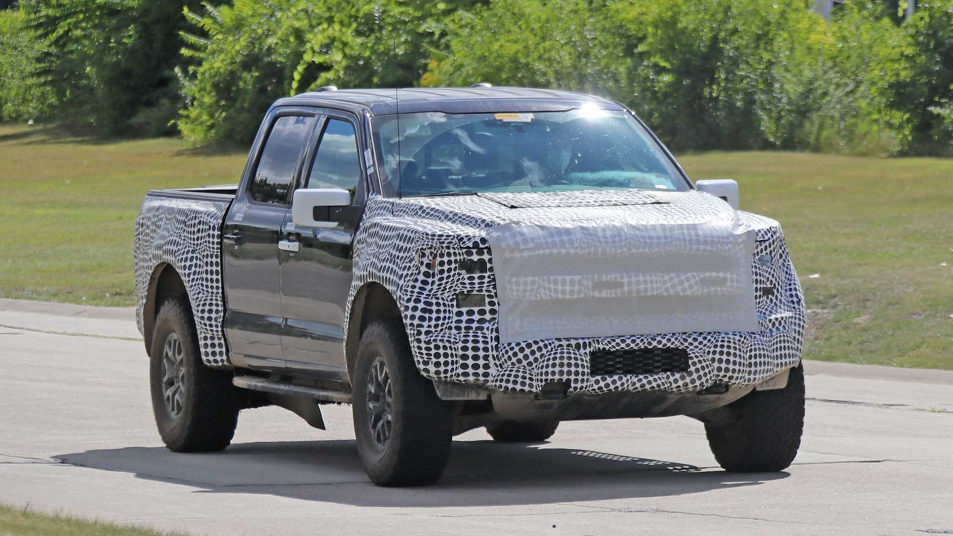 2021 Ford F-150 Raptor Super Cab Might Not Be Dead After All