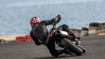 Ducati Hypermotard 950 e Hypermotard 950 SP - TEST