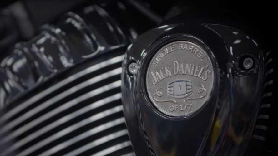 Indian Motorcycle, nuova collaborazione con Jack Daniels [VIDEO]