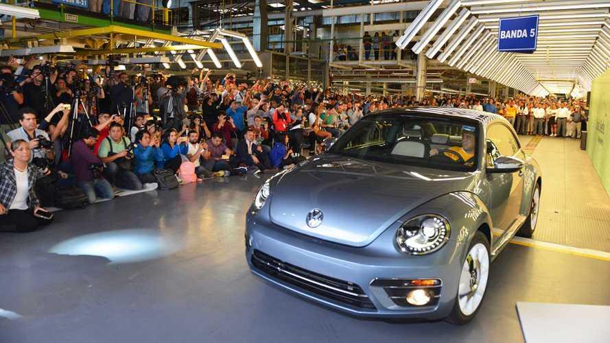 Volkswagen Maggiolino addio, oggi finisce la produzione