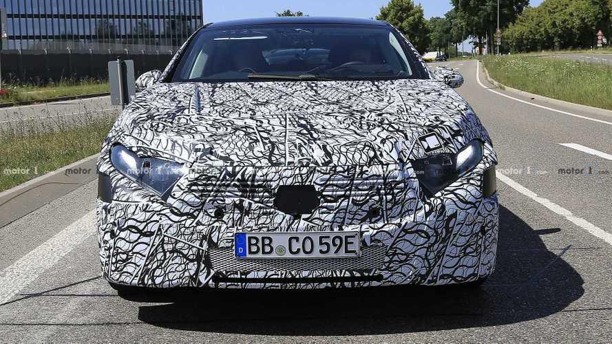 Mercedes-Benz EQS 2021 - Flagra