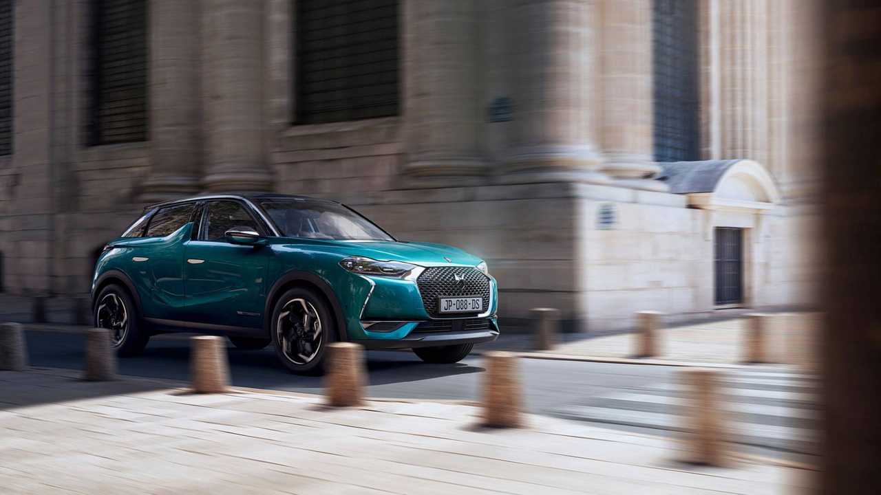 1. DS 3 CROSSBACK BlueHDi 100