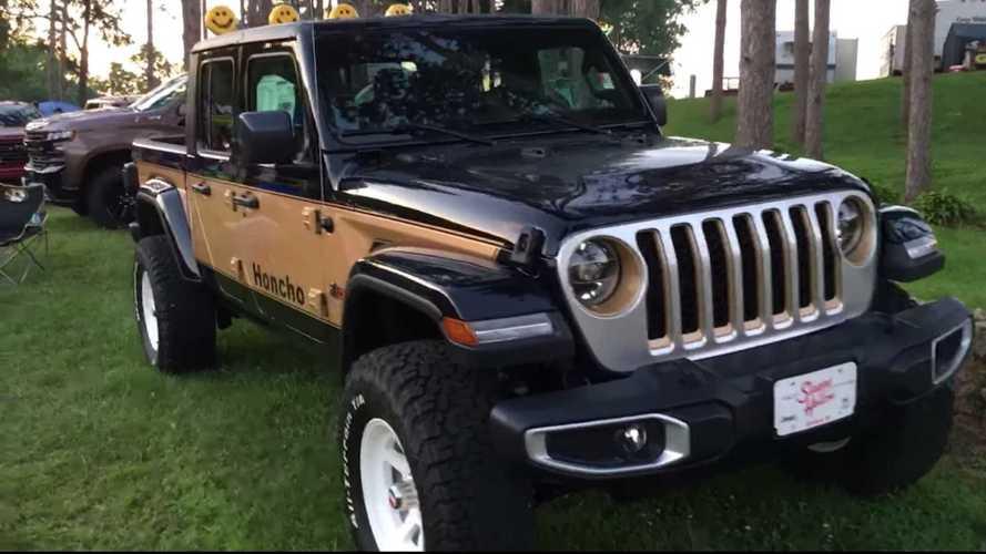 Jeep Dealer Recreates Classic J-10 Honcho Using New Gladiator