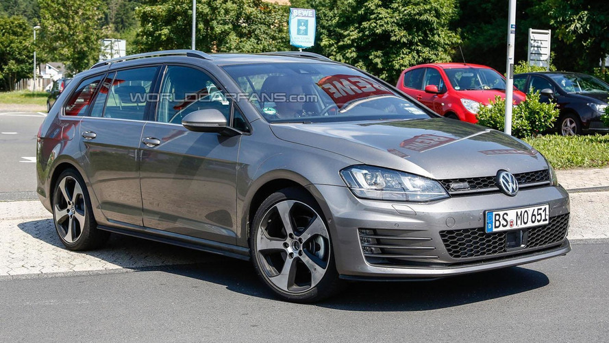 Volkswagen Golf Variant GTD spied virtually undisguised