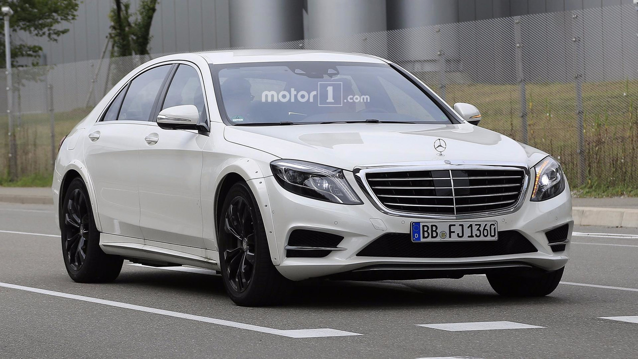 2020 Mercedes S-Class spy photo