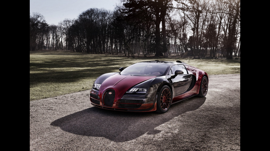 """Bugatti Veyron """"La Finale"""", un tramonto rosso carbonio"""