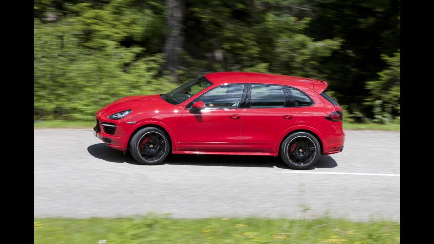 """Porsche Cayenne GTS, il SUV """"agile"""""""
