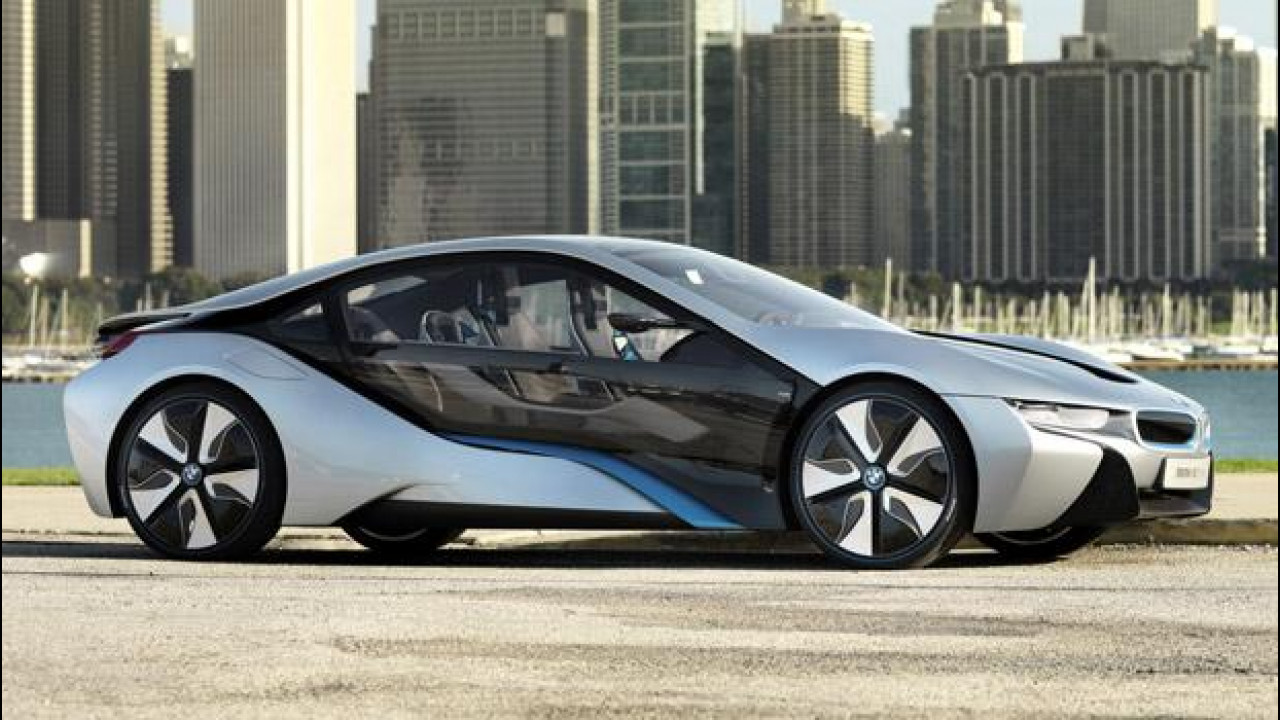 [Copertina] - BMW i8, debutto a Francoforte