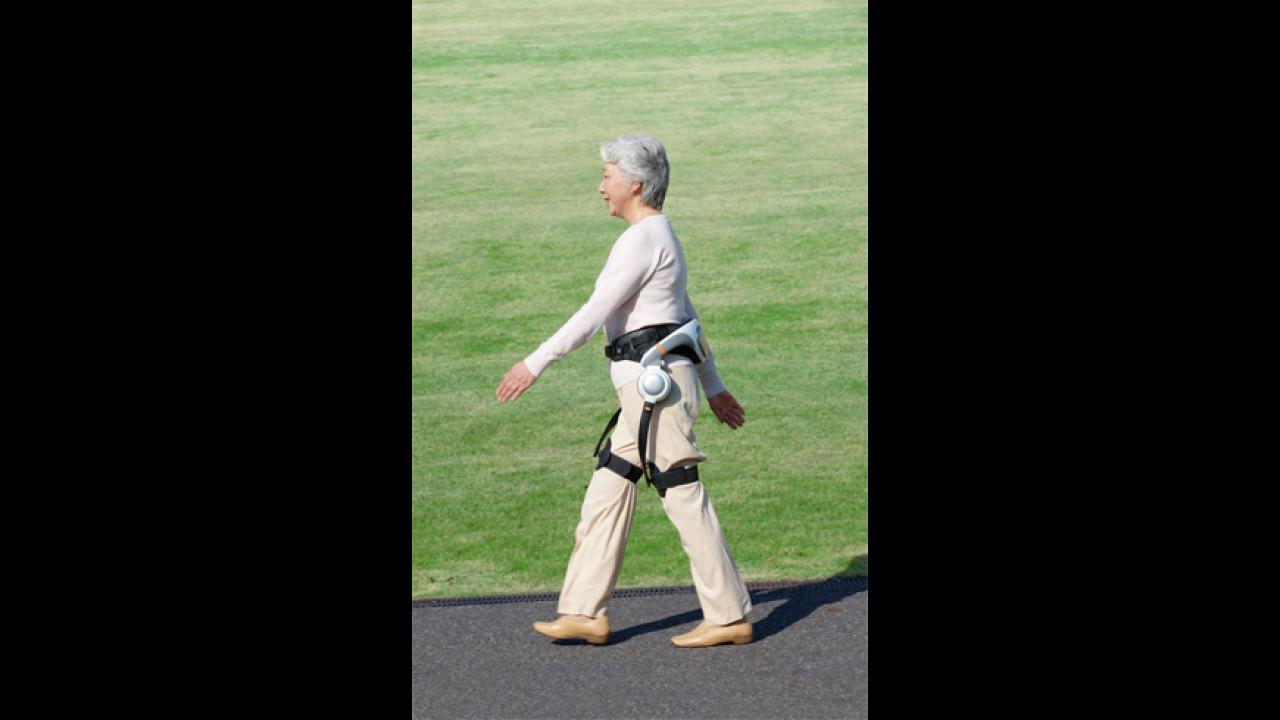 [Copertina] - Honda: un robot per l'ausilio alla deaumbulazione degli anziani