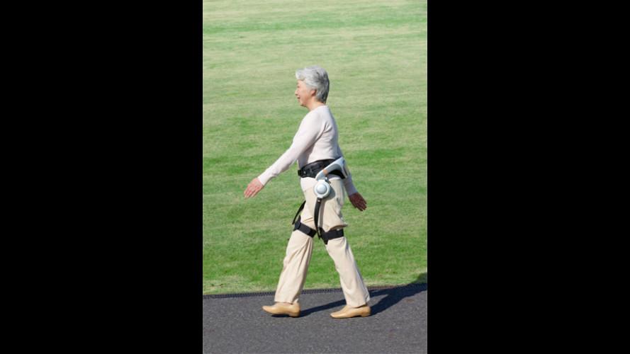 Honda: un robot per l'ausilio alla deaumbulazione degli anziani