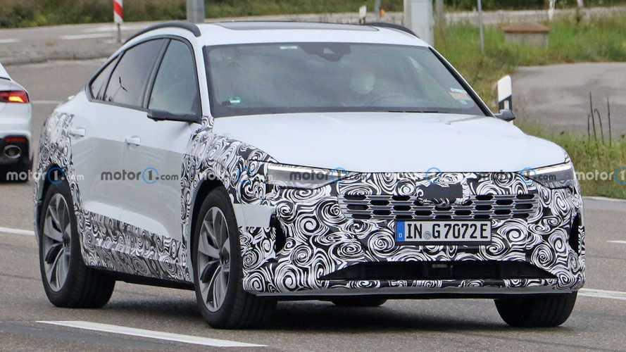 Az Audi E-Tron és az E-Tron Sportback elektromos crossoverek faceliftelt változatairól érkeztek kémfotók