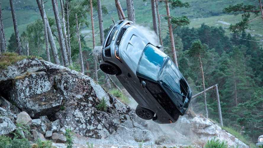 Pazzesca la Range Rover Sport SVR nel nuovo film di 007. Video anteprima
