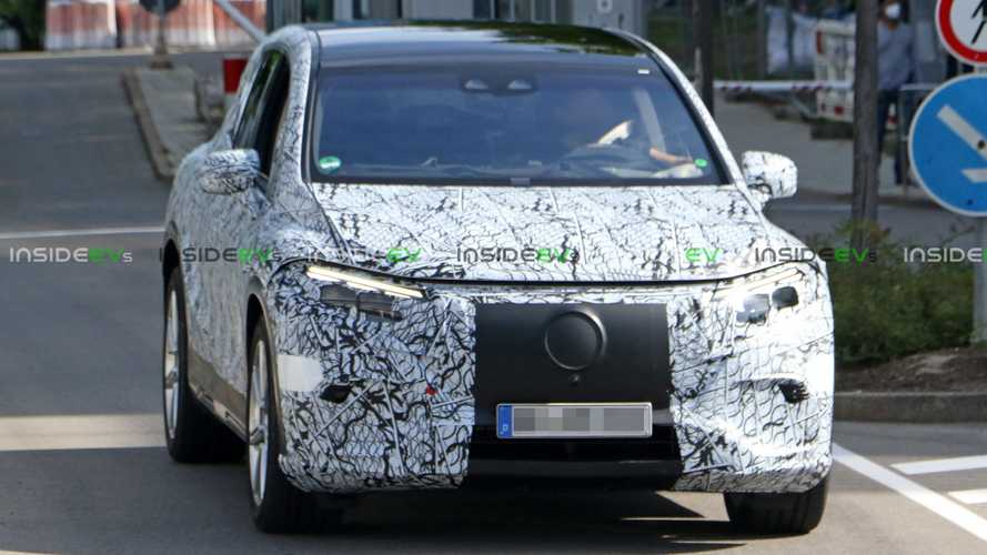 Mercedes-Benz EQS SUV spyshots
