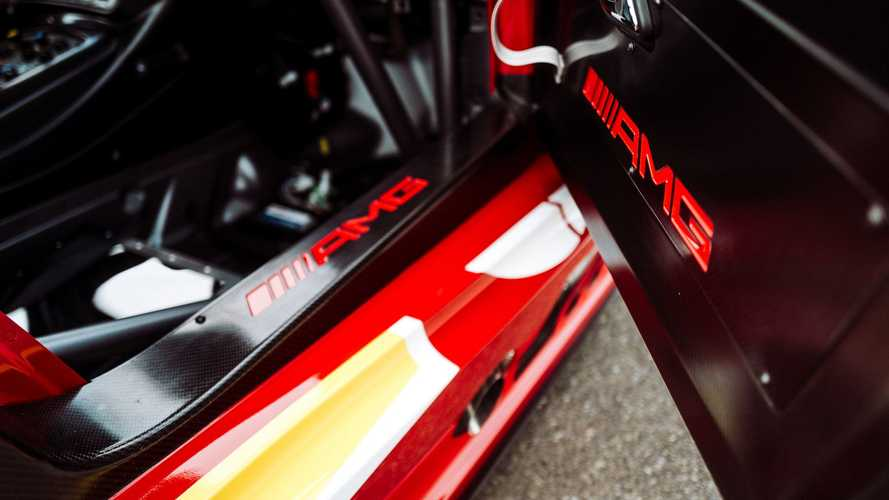 Mobil Balap One-Off Mercedes-AMG