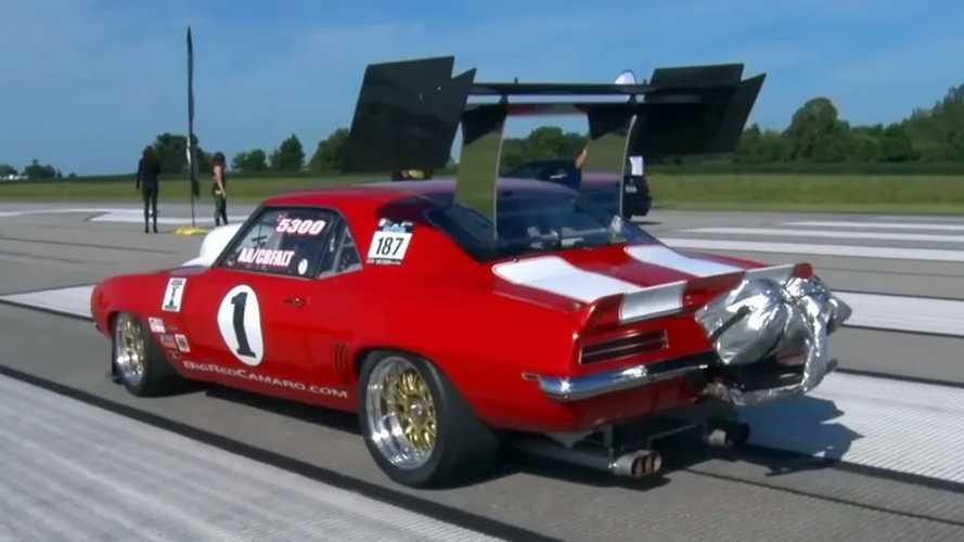 Videó: Erre a hátsó szárnyra tettek egy 1969-es Chevy Camarót