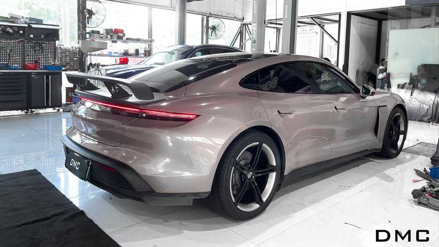 Porsche Taycan, kit aerodinamico estremo firmato DMC