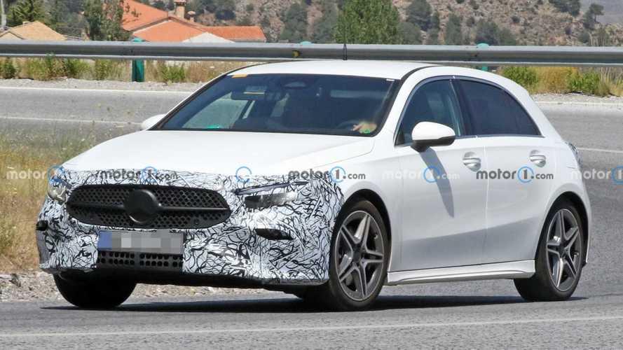 Mercedes A-Serisi makyajlı yüzünü gizliyor