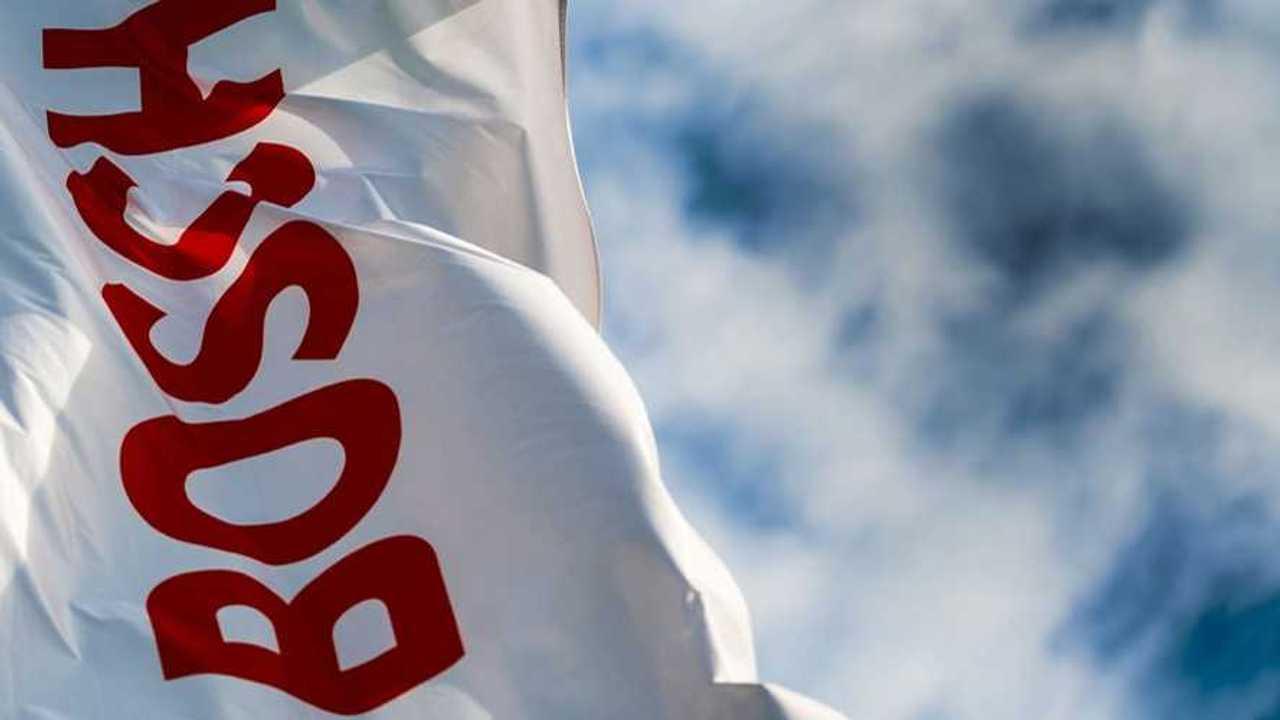 Bosch firmasının dalgalanan bayrağı.