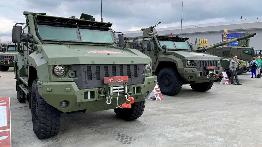 Колесные машины форума «Армия-2021»