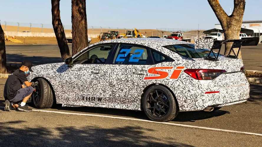 Novo Honda Civic Si mostra detalhes pouco antes da estreia