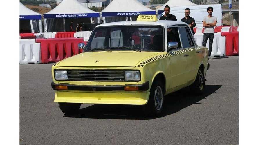 Bu 1989 model Serçe sürücüsüz bir taksiye dönüştürüldü!