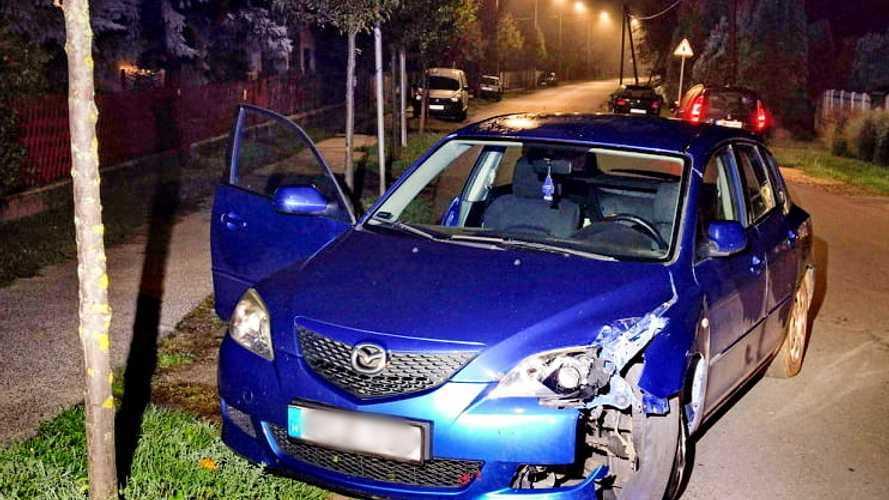 Olyan részeg volt a szombathelyi sofőr, hogy arra sem emlékszik, mint tört össze autójával