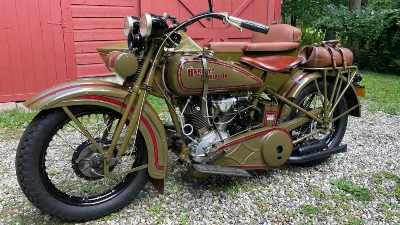 1929 Harley-Davidson Model J with a side car