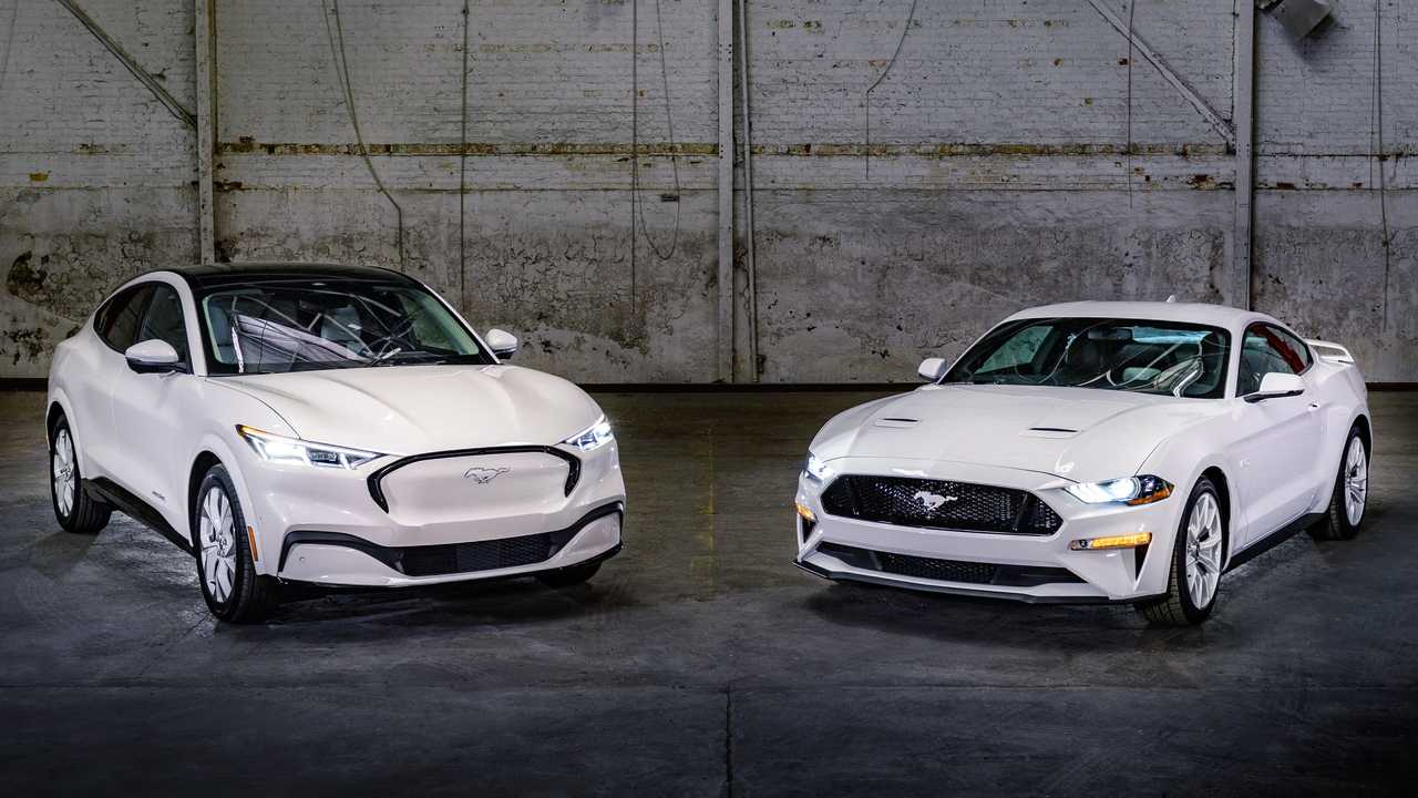 Ford Mustang Ice White Edition