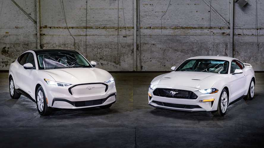 Un pack Ice White Edition pour les Ford Mustang