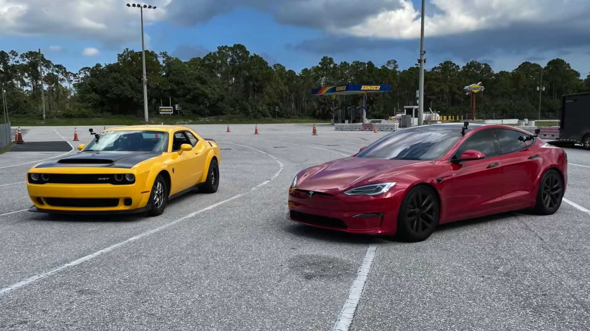 Dodge Demon Vs Tesla Model S Plaid Drag Race Has A Clear Winner
