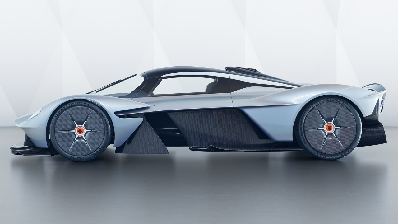 [Copertina] - Aston Martin Valkyrie, in pista andrà come una Formula 1