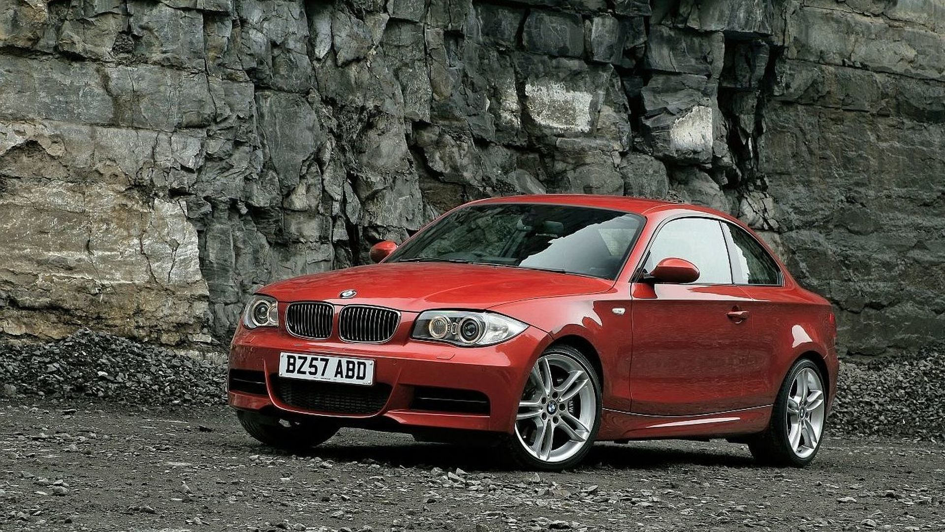 2011 Bmw 135i Coupe Gives Up Twin Turbo For Single Turbo N55 Engine