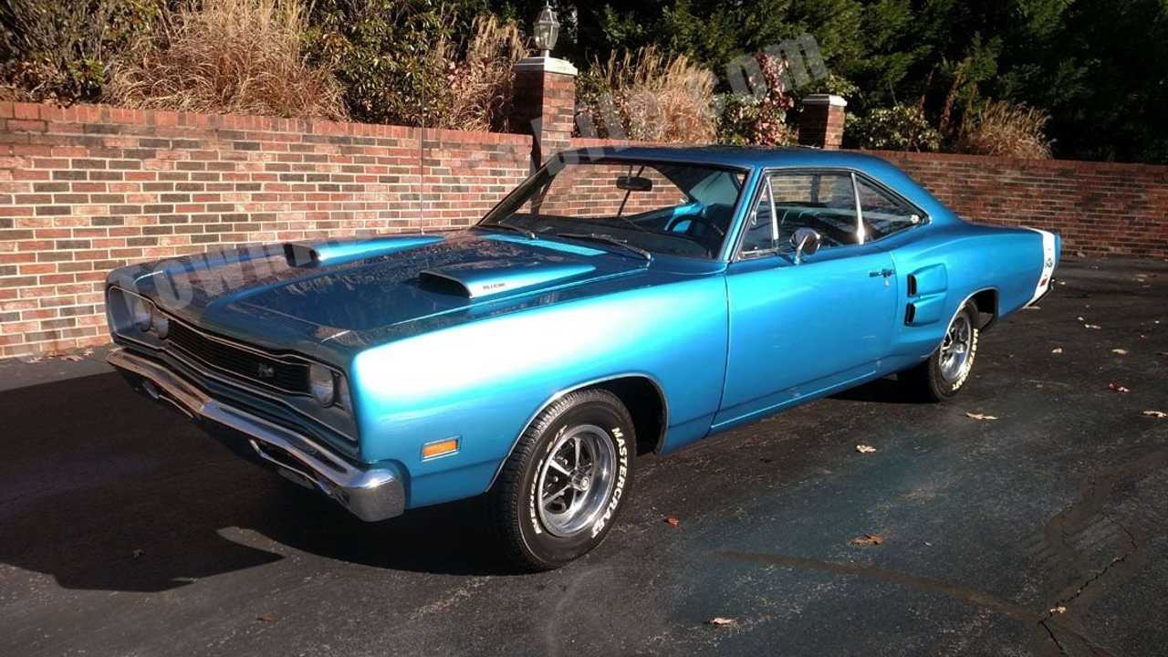 Light \'Em Up In This 1969 Dodge Super Bee