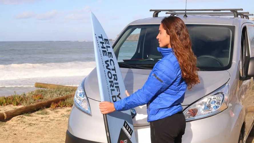 Nissan e-NV200 elettrizza  la surfista Michelle des Bouillons