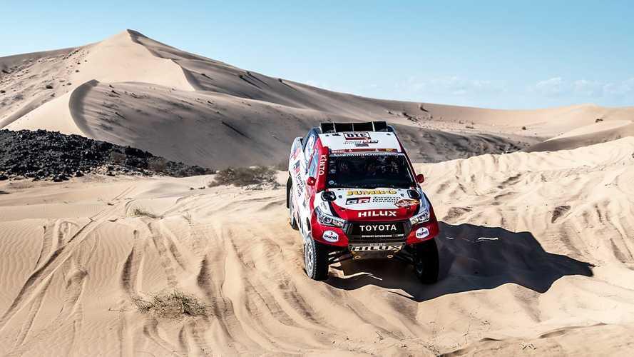 Dakar: Alonso rompe una sospensione e perde quasi un'ora