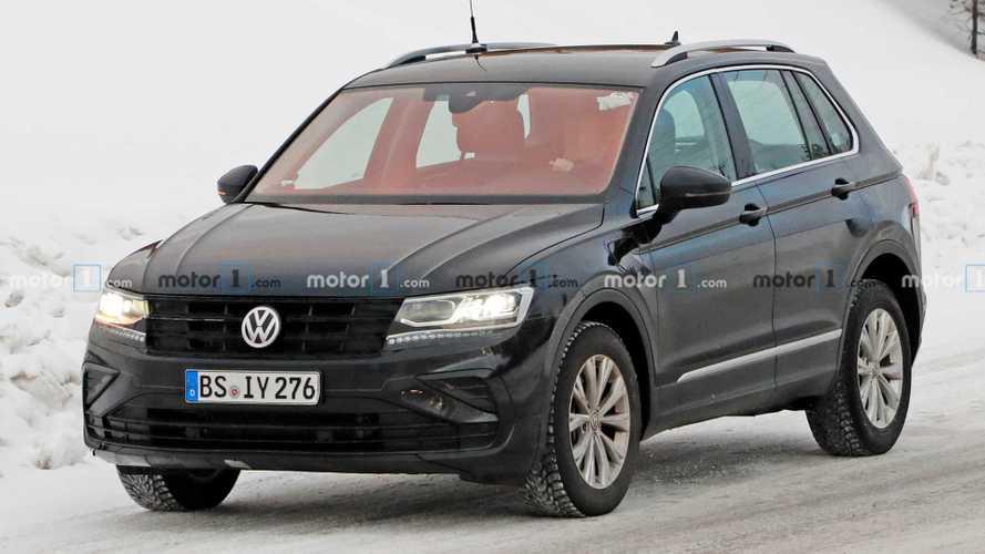 2021 VW Tiguan GTE spy photos