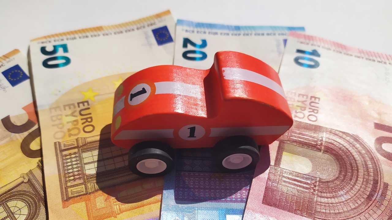 Bollo auto, sospeso il pagamento in Abruzzo, Umbria, Calabria e Friuli