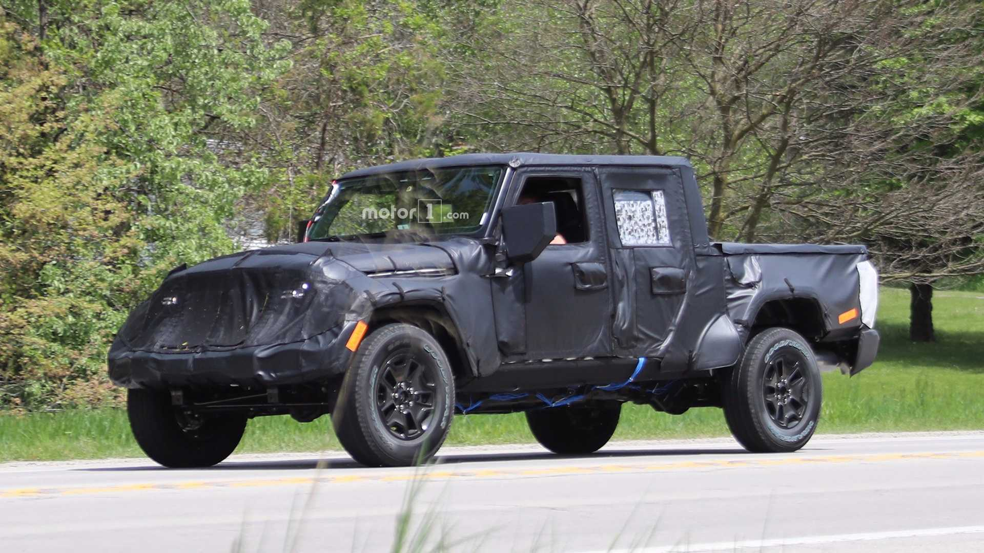 Flagra Jeep Segue Testes Com Inedita Picape Do Wrangler